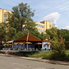 Расширение летнего кафе с устройством тентов и открытой посадки